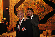 Leon Sasson and Simon Phillips, New Collectors Evening. The Grosvenor House Art and Antiques Fair. 20 June 2006. ONE TIME USE ONLY - DO NOT ARCHIVE  © Copyright Photograph by Dafydd Jones 66 Stockwell Park Rd. London SW9 0DA Tel 020 7733 0108 www.dafjones.com