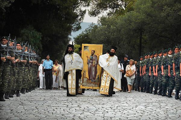 Griekenland, Athene, 5-7-2008Processie ter herdenking van het bezoek van de apostel Paulus aan de stad in ong. 60 na Christus.Foto: Flip Franssen