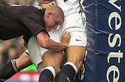 Twickenham. Surrey. UK England vs New Zealand, Autumn Internationals.<br /> <br /> 09/11/2002<br /> International Rugby England vs New Zealand [Mandatory Credit Peter SPURRIER/Intersport Images]