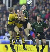 24/02/1002<br /> Rugby - Zurich Premiership<br /> Madejski Stadium - Reading - Berks<br /> London Irish v Wasps:<br /> Wasps Josh Lewsey (L)  and  Hentie Martens contest the high ball. ' [Mandatory Credit: Peter Spurrier/Intersport Images],