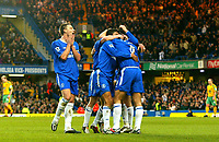 Fotball<br /> Premier League England 2004/2005<br /> 18.12.2004<br /> Foto: BPI/Digitalsport<br /> NORWAY ONLY<br /> <br /> Chelsea v Norwich City<br /> FA Barclays Premiership<br /> 18/12/2004.<br /> <br /> Chelsea celebrate the second from Frank Lampard