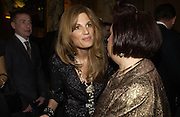 Jemima Khan and Suzy Menkes. British Fashion awards 2005. V. & A. Museum. Cromwell Rd. London.   10  November 2005 . ONE TIME USE ONLY - DO NOT ARCHIVE © Copyright Photograph by Dafydd Jones 66 Stockwell Park Rd. London SW9 0DA Tel 020 7733 0108 www.dafjones.com