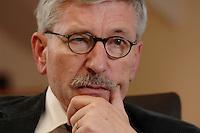 15 JAN 2007, BERLIN/GERMANY:<br /> Thilo Sarrazin, Senator fuer Finanzen Berlin, waehrend einem Interview, in seinem Buero, Senatsverwaltung fuer Finanzen<br /> IMAGE: 20070115-01-018