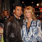 NLD/Amsterdam/20070305 - Premiere serie Voetbalvrouwen, Estelle Gullit - Cruyff en partner Ruud Gullit