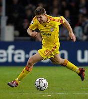 Photo: RIchard Lane.<br />PSV Eindhoven v Liverpool. UEFA Champions League, Quarter Final, 1st Leg. 03/04/2007. Liverpool's Steven Gerrard attacks.