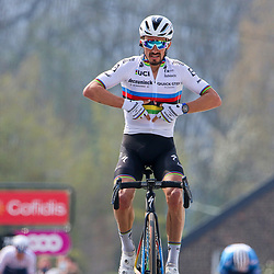21-04-2021: Wielrennen: Waalse Pijl Elite Men: Huy <br /> Julian Alaphilippe won the Flèche Wallonne for the third time in his career. On the steep Wall of Hoei he was able to pass Primož Roglič in the final stage, who tried to win the race with a long sprint.