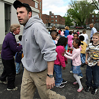 Ben Affleck in and around South Boston,Mass. Filming and acting. Photo by Mark Garfinkel