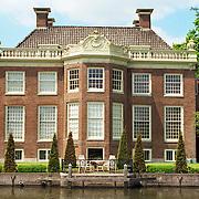NLD/Loenen aan de Vecht/19910528 - Kantoorpand aan de Vecht