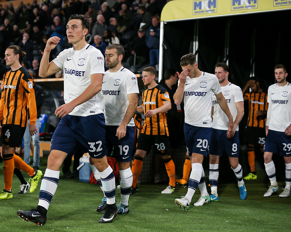 Preston North End's players enter the pitch<br /> <br /> Photographer Andrew Kearns/CameraSport<br /> <br /> The EFL Sky Bet Championship - Hull City v Preston North End - Tuesday 26th September 2017 - KC Stadium - Hull<br /> <br /> World Copyright © 2017 CameraSport. All rights reserved. 43 Linden Ave. Countesthorpe. Leicester. England. LE8 5PG - Tel: +44 (0) 116 277 4147 - admin@camerasport.com - www.camerasport.com