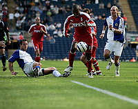 Photo: Peter Phillips.<br /> Blackburn Rovers v Fulham. The Barclays Premiership.<br /> 20/08/2005.<br /> Luis Boa Morte races through the Blackburn defence leaving Neill and Savage in his wake