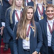 NLD/Den Haag/20171025 - Koning ontvangt winnaar EK voetbal Vrouwen 2017, Lieke Martens en Shanice van de Zanden