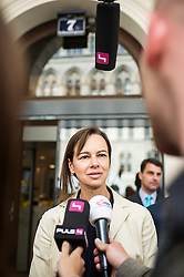 26.05.2014, OeVP Bundespartei, Wien, AUT, OeVP, Vorstandssitzung der OeVP Bundespartei. im Bild Ministerin fuer Familie Sophie Karmasin (OeVP) // Minister for Family Affairs Sophie Karmasin (OeVP) after board meeting of OeVP at federal party of OeVP in Vienna, Austria on 2014/05/26. EXPA Pictures © 2014, PhotoCredit: EXPA/ Michael Gruber