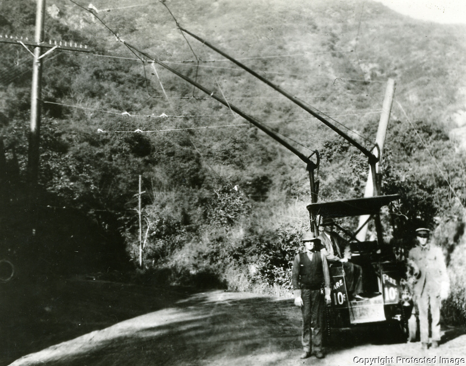 1914 Trackless trolley in Laurel Canyon