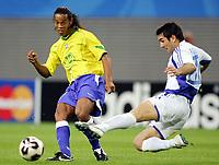 Fotball, 16. juni 2005, <br /> Conferderations Cup Brasil - Hellas<br /> v.l. Ronaldinho, Georgios Karagounis<br /> <br />  Norway only
