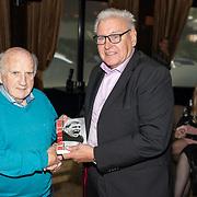 NLD/Ermelo/20190920 - Boeklancering De Beer van de Meer, Piet Schrijvers geeft eerste exemplaar aan ex trainer Kees Rijvers