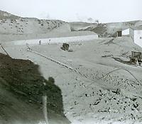 1924 Hollywoodland construction