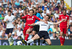 18.09.2011, White Hart Lane, London, ENG, PL, Tottenham Hotspur FC vs Liverpool FC, im Bild Liverpool's Lucas Leiva in action against Tottenham Hotspur's Scott Parker during the Premiership match at White Hart Lane. EXPA Pictures © 2011, PhotoCredit: EXPA/ Propaganda Photo/ David Rawcliff +++++ ATTENTION - OUT OF ENGLAND/GBR+++++