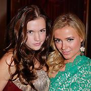 NLD/Amsterdam/20111124 - Beau Monde Awards 2011, Marly van der Velden en Gigi Ravelli