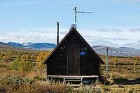 Tsielekjåkkstugan shelter along middle section Kungsleden trail, Lapland, Sweden
