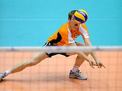 29-05-2010 VOLLEYBAL: EK KWALIFICATIE MACEDONIE - NEDERLAND: ROTTERDAM<br /> Nederland wint met 3-0 van Macedonie en plaatst zich voor de volgende ronde / Jelte Maan<br /> ©2010-WWW.FOTOHOOGENDOORN.NL