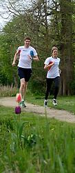 10-04-2014 NED: NY City Marathon training Vriendenloterij, Amsterdam<br /> In het Amsterdamse Vondelpark werden de eerste meters gelegd door de lopers van de vriendenloterij / Bas en Linda