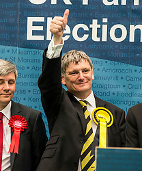 Succesful SNP candidate Peter Grant celebrates after holding the Glenrothes constituency.<br /> <br /> © Dave Johnston/ EEm