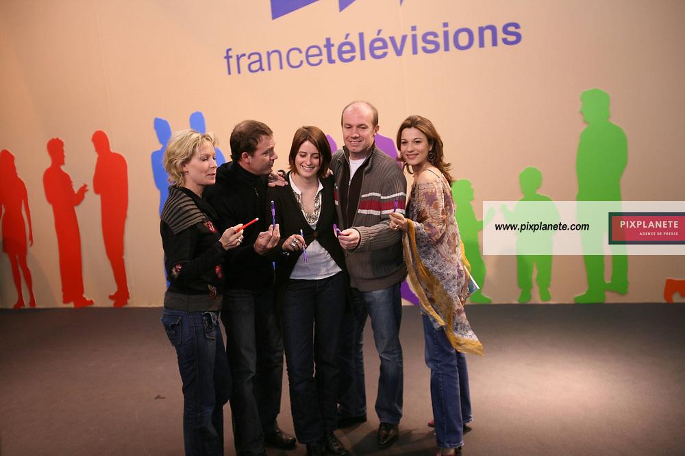 Salon du livre à Paris - Hélène Medigue, Anne Decis, Alexandre Fabre, Pierre Martot - Plus belle la vie - - - Rebecca Hampton - 18/3/2006 - JSB / PixPlanete