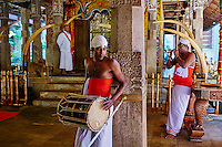 Sri Lanka, province du centre, Kandy, ville classée patrimoine mondial de l'UNESCO, Temple de la Dent (Sri Dalada Maligawa) qui renferme une relique de dent de Bouddha // Sri Lanka, Ceylon, North Central Province, Kandy, UNESCO World Heritage city, Tooth's temple