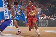 DESCRIZIONE :  Lega A 2014-15  EA7 Milano -Banco di Sardegna Sassari playoff Semifinale gara 7<br /> GIOCATORE : Ragland Joe<br /> CATEGORIA : Low Palleggio<br /> SQUADRA : EA7 Milano<br /> EVENTO : PlayOff Semifinale gara 7<br /> GARA : EA7 Milano - Banco di Sardegna Sassari PlayOff Semifinale Gara 7<br /> DATA : 10/06/2015 <br /> SPORT : Pallacanestro <br /> AUTORE : Agenzia Ciamillo-Castoria/Richard Morgano<br /> Galleria : Lega Basket A 2014-2015 Fotonotizia : Milano Lega A 2014-15  EA7 Milano - Banco di Sardegna Sassari playoff Semifinale  gara 7<br /> Predefinita :
