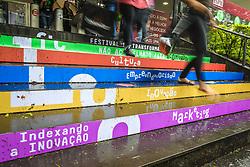 Movimento de Público durante o #FT18, realizado pela ADVB-RS, na ESPM-Sul. Inspirado em alguns dos maiores eventos do mundo de inovação e tendências (SXSW, Cannes Lions e Burning Man), o #FT18 é maior hub de conteúdo da história de Porto Alegre.  Foto: Marcos Nagelstein / Agência Preview