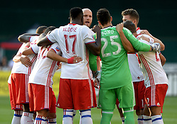 August 5, 2017 - Washington, DC, USA - 20170805 - Toronto FC midfielder and captain MICHAEL BRADLEY (4), center facing, gives his teammates a pep talk before the start of an MLS match against D.C. United at RFK Stadium in Washington. (Credit Image: © Chuck Myers via ZUMA Wire)