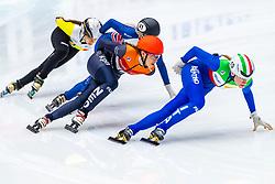 13-01-2019 NED: ISU European Short Track Championships 2019 day 3, Dordrecht<br /> Suzanne Schulting #24 NED, Martina Valcepina #10 ITA