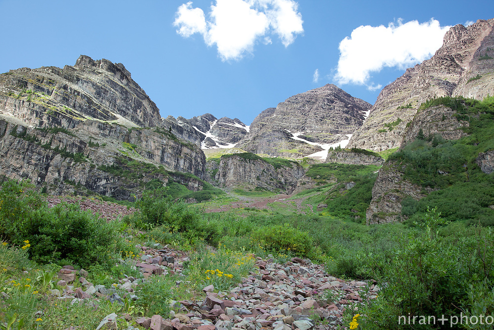 Rock formations off the Four Pass Loop Trail enroute to the West Maroon Pass.