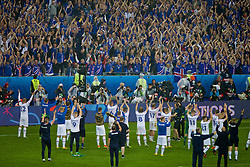 PARIS, FRANCE - Sunday, July 3, 2016: Iceland salute their supporters after losing 5-2 to France the UEFA Euro 2016 Championship Semi-Final match at the Stade de France. (Pic by Paul Greenwood/Propaganda)