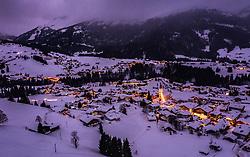 THEMENBILD - das winterliche Riezlern in der Dämmerung aufgenommen am 30. Januar 2019 in Riezlern, Oesterreich // the winterly Riezlern in the twilight in Riezlern, Austria on 2019/01/30. EXPA Pictures © 2019, PhotoCredit: EXPA/ JFK