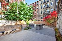 Patio Garden at 286 5th Avenue