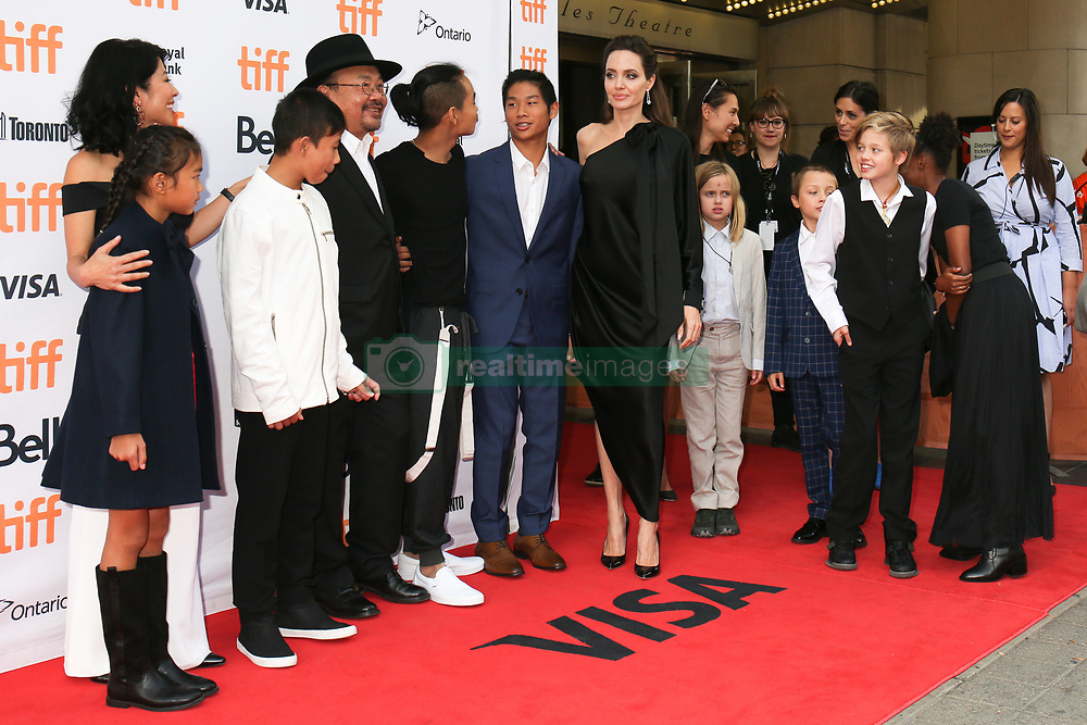 September 12, 2017 - Toronto, Canada - WRITER LOUNG UNG, RITHY PANH, ANGELINA JOLIE WITH HER CHILDREN MADDOX, PAX, VIVIENNE, KNOX, SHILOH AND ZAHARA - RED CARPET OF THE FILM 'FIRST THEY KILLED MY FATHER' - 42ND TORONTO INTERNATIONAL FILM FESTIVAL 2017 (Credit Image: © Visual via ZUMA Press)