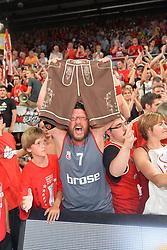 """14.06.2015, Brose Arena, Bamberg, GER, Beko Basketball BL, Brose Baskets Bamberg vs FC Bayern Muenchen, Playoffs, Finale, 3. Spiel, im Bild Ein Fan der Brose Baskets Bamberg bejubelt den Sieg gegen den FC Bayern Muenchen Basketball mit einer Lederhose, welche symbolisch fuer den Schlachtruf """"Zieht den Bayern die Lederhosen aus"""" steht. // during the Beko Basketball Bundes league Playoffs, final round, 3rd match between Brose Baskets Bamberg and FC Bayern Muenchen at the Brose Arena in Bamberg, Germany on 2015/06/14. EXPA Pictures © 2015, PhotoCredit: EXPA/ Eibner-Pressefoto/ Merz<br /> <br /> *****ATTENTION - OUT of GER*****"""
