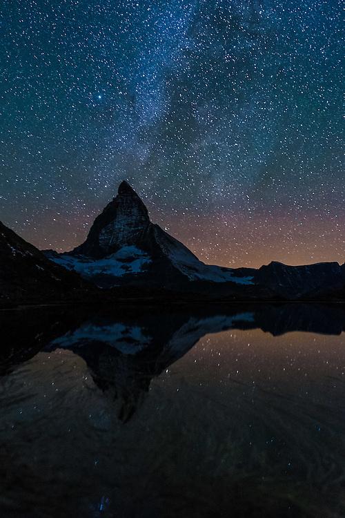 Immagini realizzate durante i shooting in montagna per IVV con Andrea Benedetti e Riccardo Andreaus.<br /> Mattina glacier du Rhone e pomeriggio - notte a Riffelsee davanti al Matterhorn