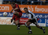 Fotball<br /> England<br /> 2004/2005<br /> 16.10.2004<br /> Foto: SBI/Digitalsport<br /> NORWAY ONLY<br /> <br /> Luton Town v Huddersfield Town<br /> Coca-Cola League One<br /> <br /> Chris Brandon leaps for the ball.