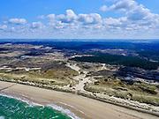 Nederland, Noord-Holland, Bergen, 07-05-2021; De Kerf, kunstmatig gegraven inham in de duinen tussen Schoorl en Bergen aan Zee, voorbeeldproject voor 'dynamisch kustbeheer'.<br /> De Kerf ('Nick'), artificially dug inlet through the dunes, example dynamic coastal management.<br /> luchtfoto (toeslag op standaard tarieven);<br /> aerial photo (additional fee required)<br /> copyright © 2021 foto/photo Siebe Swart