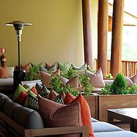 South America, Peru, Urubamba. Patio Balcony at Tambo del Inka Resort & Spa in the Sacred Valley.