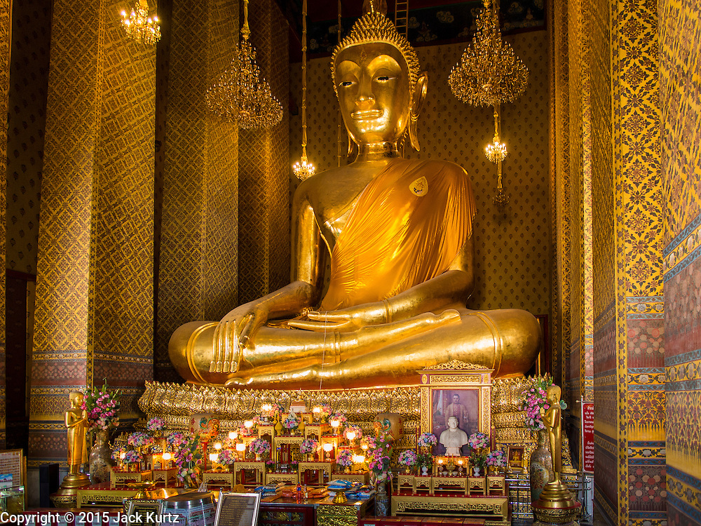 06 FEBRUARY 2015 - BANGKOK, THAILAND: A large seated Buddha in Wat Kalayanamitr in the Thonburi section of Bangkok is next to the Catholic community of Santa Cruz. The temple was built in 1825, about 50 years after Santa Cruz Church was built.          PHOTO BY JACK KURTZ