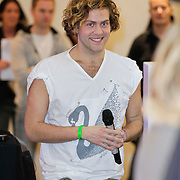 NLD/Amsterdam/20120104 - Verrassingsconcert the Voice of Holland kandidaten, Paul turner