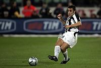 Fotball<br /> Serie A Italia 2004/05<br /> Fiorentina v Juventus<br /> 9. april 2005<br /> Foto: Digitalsport<br /> NORWAY ONLY<br /> Fabio Cannavaro