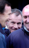 Photo: Leigh Quinnell.<br /> Leicester City v Hull FC. Coca Cola Championship. 04/03/2006. Hull boss Peter Taylor can't hide from the Leicester fans.