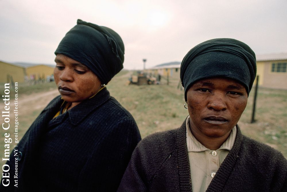 Portrait of two South African women.