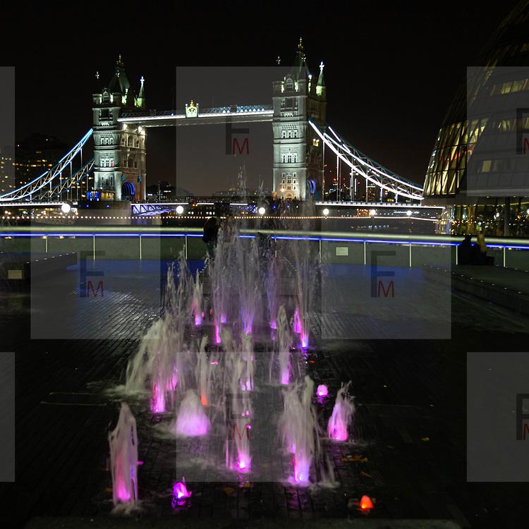 Un'immagine notturna fatta con la mia @Canon @Eos6d ai giochi di luci colorate nella fontana illuminata davanti al @TowerBridge, uno dei simboli più famosi di Londra.<br /> <br /> An evening shot taken with my @Canon @ Eos6d at the colourful water features of the illuminated fountain in front of the @TowerBridge, one of the most famous symbols of London.<br /> <br /> #6d, #photooftheday #picoftheday #bestoftheday #instadaily #instagood #follow #followme #nofilter #everydayuk #canon #buenavistaphoto #photojournalism #flaviogilardoni <br /> <br /> #london #uk #greaterlondon #londoncity #centrallondon #cityoflondon #londontaxi #londonuk #visitlondon #TowerBridge<br /> <br /> #photo #photography #photooftheday #photos #photographer #photograph #photoofday #streetphoto #photonews #amazingphoto #blackandwhitephoto #dailyphoto #funnyphoto #goodphoto #myphoto #photoftheday #photogalleries #photojournalist #photolibrary #photoreportage #pressphoto #stockphoto #todaysphoto #urbanphoto
