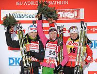 Skiskyting<br /> IBU World Cup<br /> Hochfilzen Østerrike<br /> 07.12.2012<br /> Foto: Gepa/Digitalsport<br /> NORWAY ONLY<br /> <br /> IBU Weltcup, 7,5km Sprint der Damen, Siegerehrung. <br /> <br /> Bild zeigt Kaisa Mäkäräinen (FIN), Darya Domracheva (BLR) und Tora Berger (NOR).