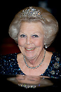 Galadiner voor het Corps Diplomatique in het Koninklijk Paleis in Amsterdam // Gala dinner for the Corps Diplomatique at the Royal Palace in Amsterdam<br /> <br /> Op de foto:  Prinses Beatrix